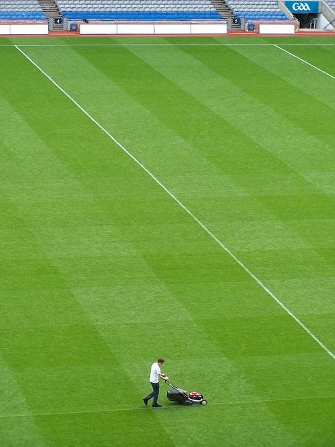 Pielęgnacja i naprawa darni na boiskach piłkarskich (1)