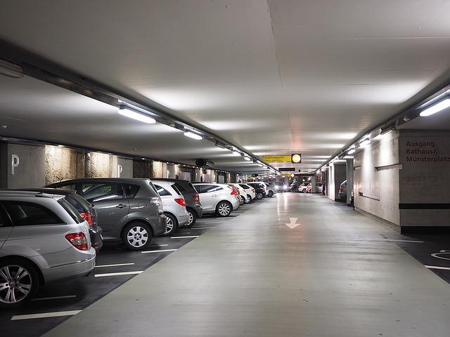 sprzątanie pielęgnacja terenów zielonych parkingów kraków